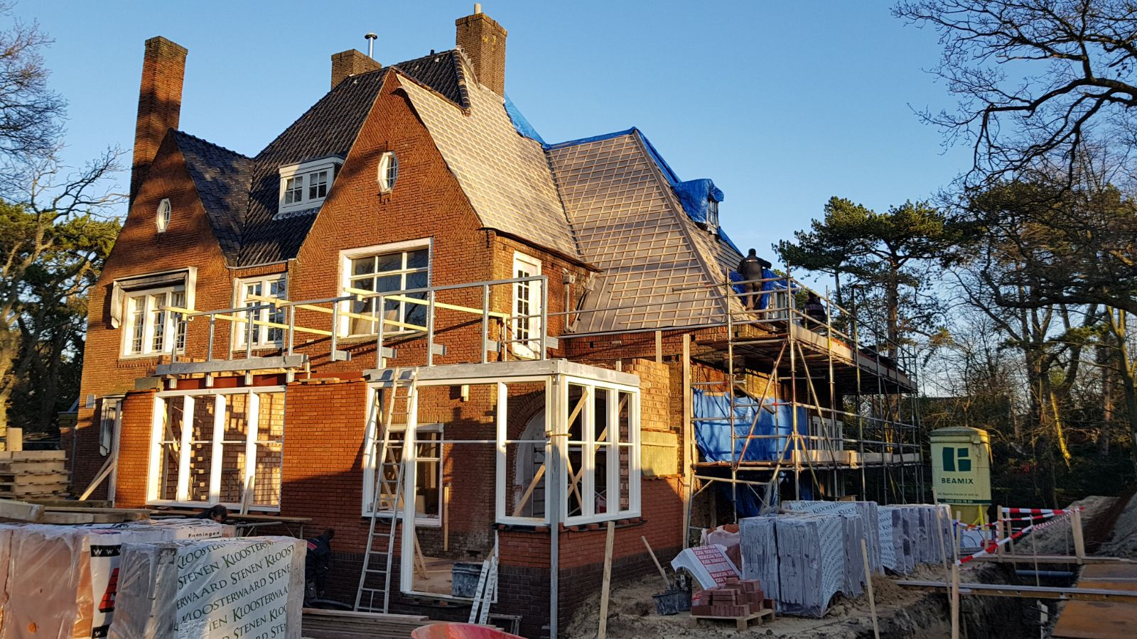 Verbouwing en uitbreiding villa u braam minnesma