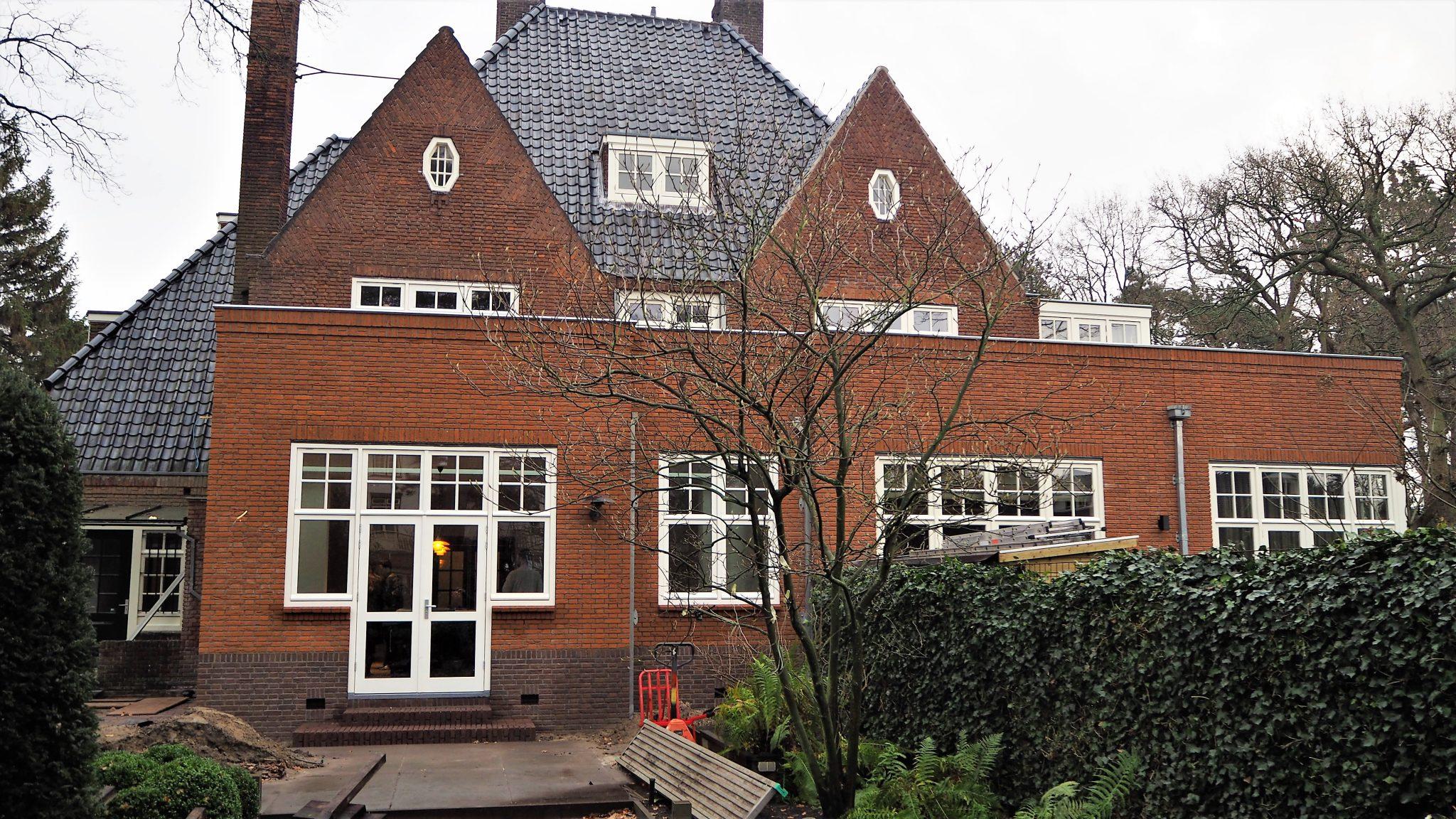 Aan- en verbouw woonhuis Overveen